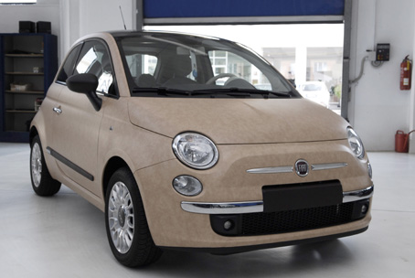 fiat 500 pelle beige carswrap wrapping automezzi decorazione vetrine stampa digitale e. Black Bedroom Furniture Sets. Home Design Ideas