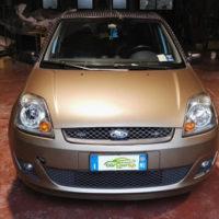 Fiesta M211 Wrapping Matte Charcoal Metallic, Cerchi in Pellicola Spray Neri Opachi, Tetto e montanti in pellicola Newlook