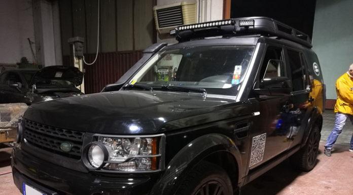 Land Rover Discovery Rivestito con pellicola nero lucido